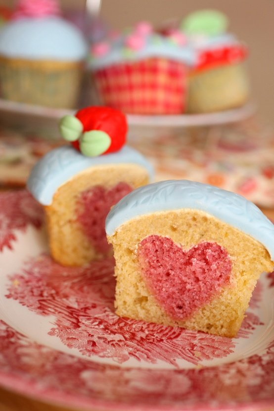 how-to-bake-a-heart-into-your-cupcakes